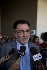 Deputado Federal Patrus Ananias, durante coletiva de imprensa na paralisação nacional do dia 22 de Setembro. Fotografia: Lucas D' Ambrósio.