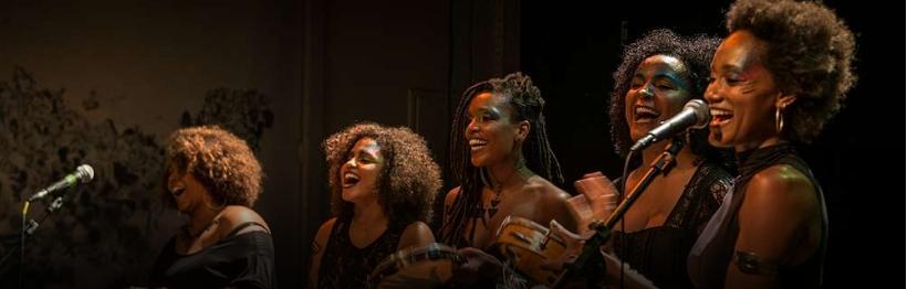 Música Itinerante apresenta o espetáculo NEGR