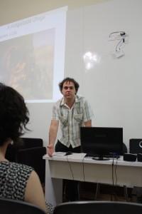 Guaracy Araújo durante a palestra